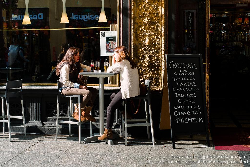 Conversaciones bajo una atenta mirada (Zaragoceando)